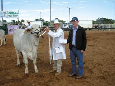 Champion Junior Parader, Tara Dieckmann, Rockhampton is pictured being presented with her award by Bob Hardy, Rabobank, Cloncurry